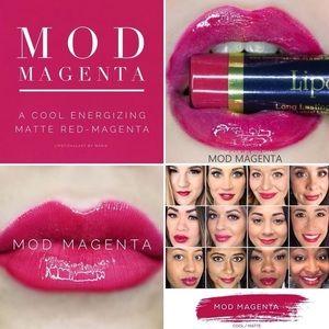 NEW! LipSense Long-lasting Lip Color!